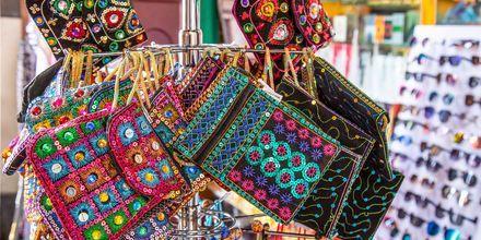 Shoppailua Dubaissa. Dubai, Arabiemiraatit.