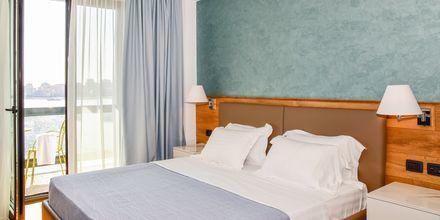 Kahden hengen huone. Hotelli Butrinti, Saranda, Albania.