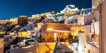 Ilta. Fira, Santorini, Kreikka.