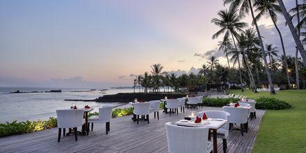 Ravintola, Hotelli Candi Beach Resort & SPA, Bali.