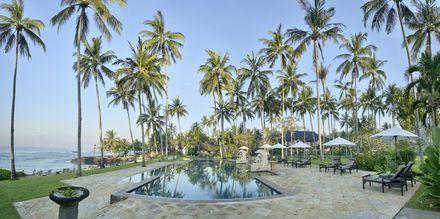 Allas, Hotelli Candi Beach Resort & SPA, Bali.