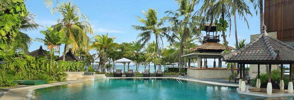 Allasalue hotelli Candi Beach Resort & Spassa. Candi Dasa, Bali.
