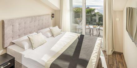 Kolmio. Hotelli Central Beach 9, Makarska, Kroatia.