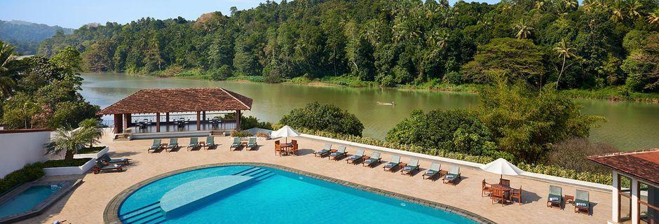 Uima-allas, Hotelli Cinnamon Citadel, Kandy, Sri Lanka.
