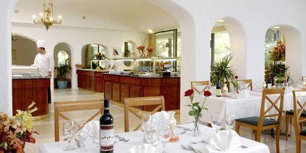 Ravintola, Hotelli Corfu Holiday Palace Kanoni, Korfu.