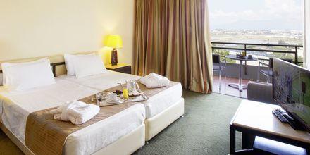 Kahden hengen huone, Hotelli Corfu Holiday Palace Kanoni, Korfu.