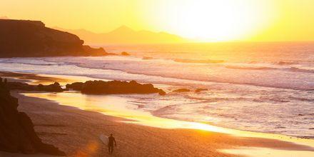 Kaunis auringonlasku La Paredissa, Fuerteventuralla.