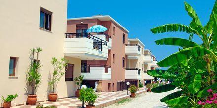 Hotelli Costas & Christina. Platanias, Kreeta, Kreikka.