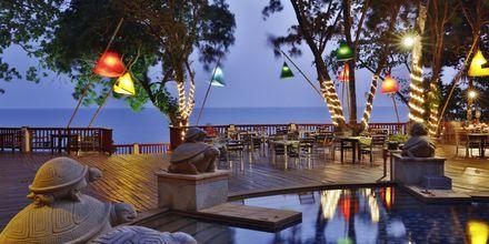 Ravintola, Crown Lanta Resort & Spa. Koh Lanta, Thaimaa.