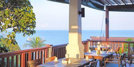 Ravintola maisemalla, hotelli Crown Lanta Resort & Spa. Koh Lanta, Thaimaa.