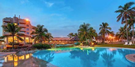 Allasalue, hotelli Crowne Plaza Resort. Salalah, Oman.