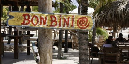 Curaçaon ilmapiiri on lämmin ja vieraanvarainen. Bonbini tarkoittaa ''tervetuloa!''.