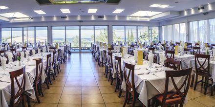 Pääravintola. Hotelli Delfinia, Moraitika, Korfu, Kreikka.