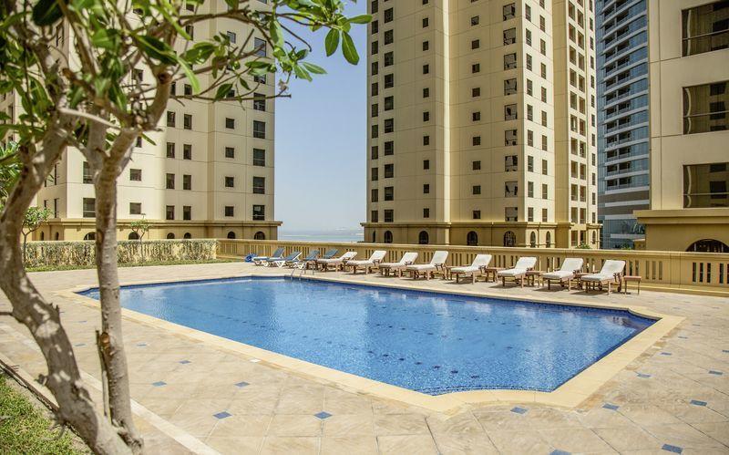Kattoallas, Hotelli Ramada Plaza Jumeirah, Dubai.
