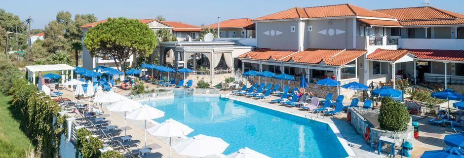 Allas, hotelli Dennys Inn. Kalamaki, Zakynthos, Kreikka.