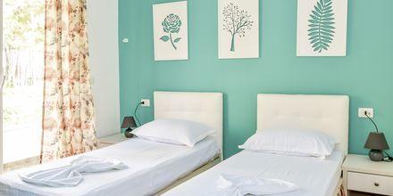 Kahden hengen huone. Hotelli Diamma Resort, Durres Riviera, Albania.