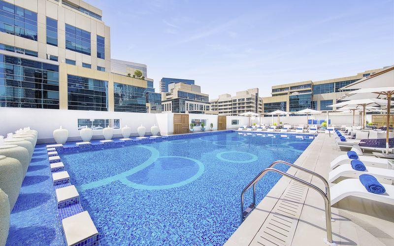 Allas, Hotelli Doubletree by Hilton Business Bay, Dubai.