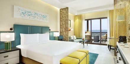 Club-huone, Hotelli Doubletree by Hilton Marjan Island, Ras al Khaimah.