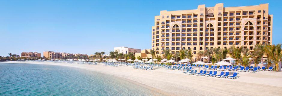 Ranta, hotelli Doubletree by Hilton Marjan Island. Ras al Khaimah, Arabiemiraatit.