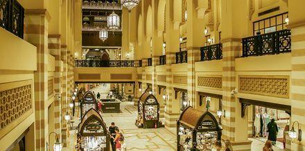 Ostoskeskus Souk Al Bahar. Dubai, Arabiemiraatit.