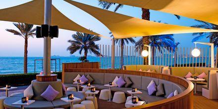 Loungebaari, hotelli Sheraton Jumeirah Beach, Dubai, Arabiemiraatit.