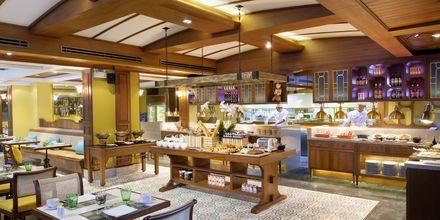 Ravintola Laguna Caféssa tarjoillaan thaimaalaisia, kiinalaisia ja portugalilaisia annoksia.