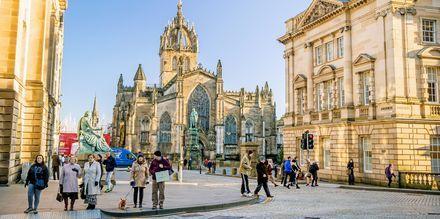 Royal Mile Edinburghissa, kaupungin tunnetuin katu.