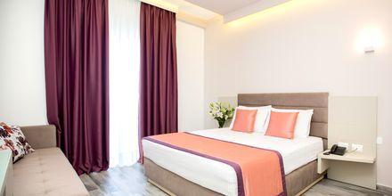 Kahden hengen huone. Hotelli Elysium, Dhermi, Albania.