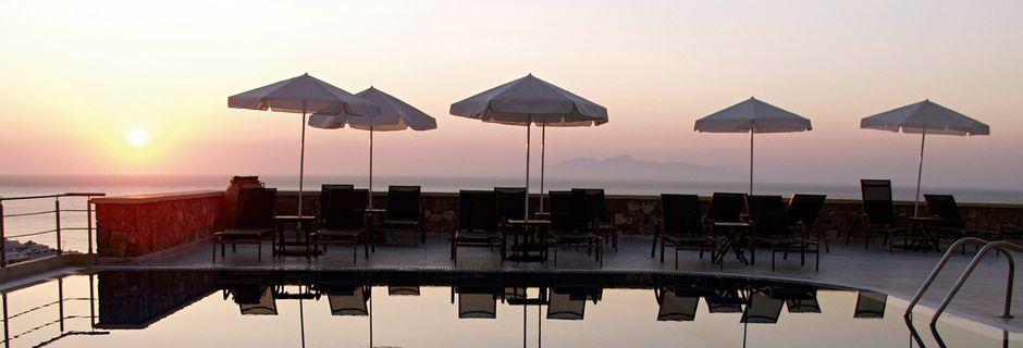 Allasalue, hotelli Epavlis. Santorini, Kreikka.