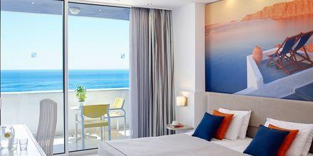 Kaksio merinäköalalla. Hotelli Epsilon, Rodos, Kreikka.