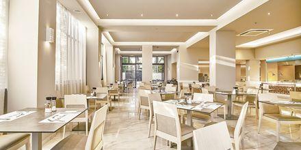 Ravintola, hotelli Eva Bay. Kreeta.