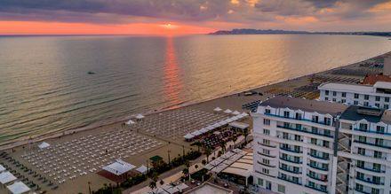 Ranta. Hotelli Fafa Grand Blue Resort, Durresin Riviera, Albania.