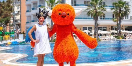 Polly & Mino. Hotelli Fafa Grand Blue Resort, Durresin Riviera, Albania.