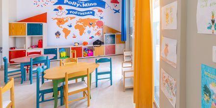 Club Polly & Mino. Hotelli Fafa Grand Blue Resort, Durresin Riviera, Albania.