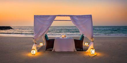Yksityinen illallinen, hotelli Fairmont Ajman. Ajman, Arabiemiraatit.