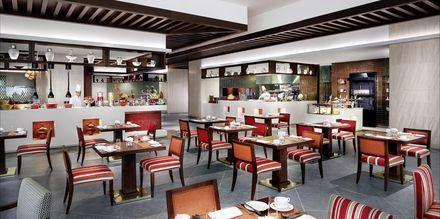 Ravintola Spectrum, hotelli Fairmont Ajman. Ajman, Arabiemiraatit.