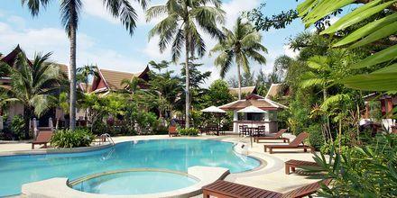 Allasalue, hotelli Fanari Khaolak Resort. Khao Lak, Thaimaa.