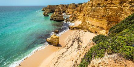 Algarven rannikko, Portugali.