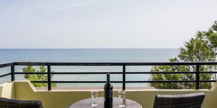 Kolmio merinäköalalla, Hotelli Faros, Kato Stalos, Kreeta.