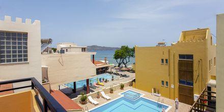 Yksiö allasnäkymällä, Hotelli Faros, Kato Stalos, Kreeta.