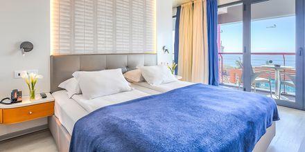 Kahden hengen huone. Hotelli Four View Monumental Lido, Funchal, Madeira.