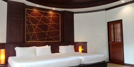 Deluxe -huone bungalowissa, hotelli Golden Beach Resort, Ao Nang, Krabi.
