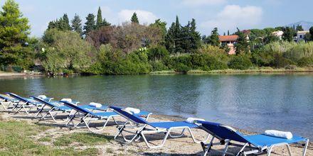 Yksityinen ranta, Hotelli Govino Bay, Gouvia, Korfu.