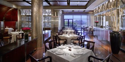 Ravintola Manhattan Grill hotellilla Grand Hyatt, Bur Dubai, Dubai.