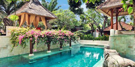 Uima-allas, Griya Santrian. Sanur, Bali.