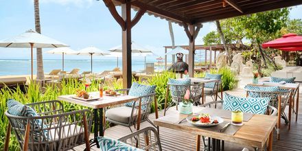 Ravintola, hotelli Griya Santrian. Sanur, Bali.