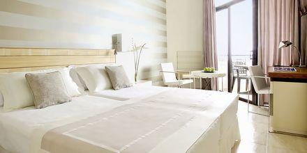 Kahden hengen huone, Hotelli H10 Conquistador, Playa de las Americas, Teneriffa.