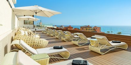 Deluxe-huoneiden yhteinen terassi, Hotelli H10 Conquistador, Playa de las Americas, Teneriffa.