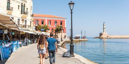 Kävele veden äärellä. Hanian kaupunki, Kreeta, Kreikka.
