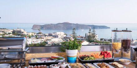 Aamiaisbuffet, Hotelli Hermes, Kato Stalos, Kreeta.
